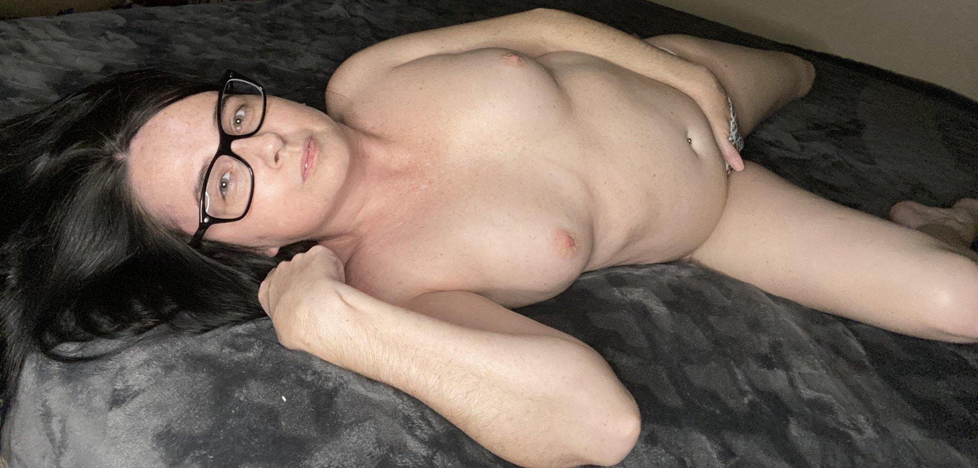 MrsExtinctBabe from Vale of Glamorgan,United Kingdom